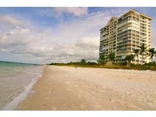 Naples Cay in Fl beacfront condo