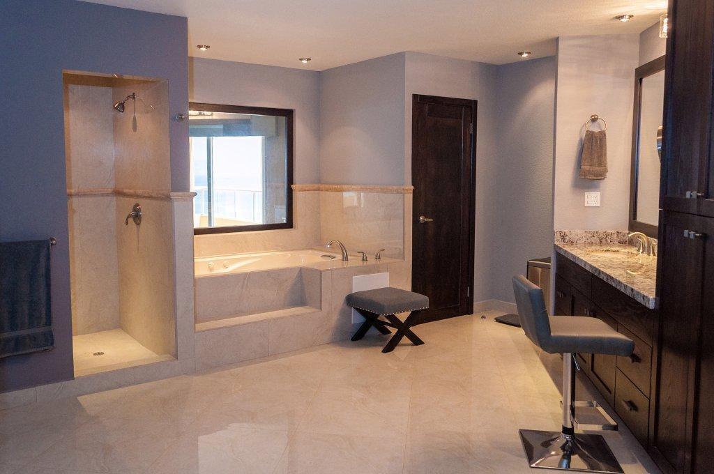 La Jolla Excellence interior finishes - Main Bathroom