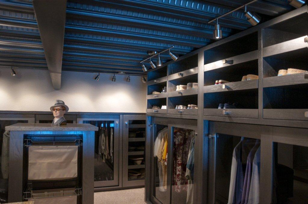 La Jolla Excellence interior finishes - Closet