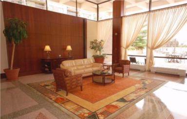Skyline Plaza Lobby, Falls Church, 22041, 3701-3705 George Mason Dr.