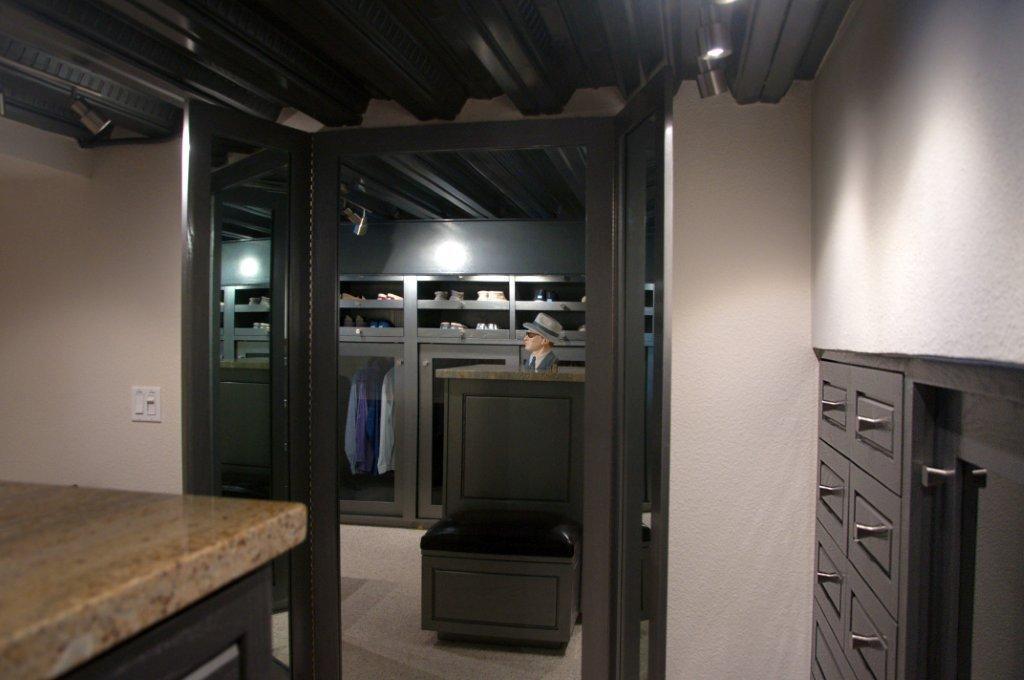 La Jolla Excellence interior finishes - Closet Entrance