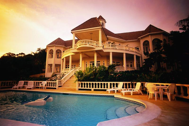Homes with Swimming Pools