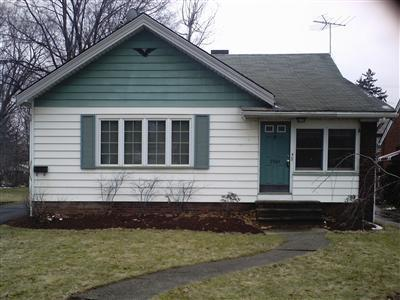 3964 W 165th St, Cleveland, Ohio 44111, 3 Bedroom Bungalow, short sale