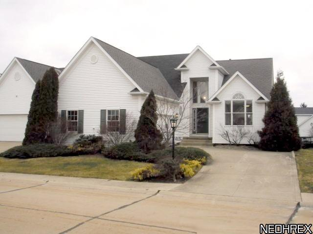 13982 Placid Cove, Strongsville, Ohio, 44136, SOLD HOMES, 3 Bedrooms, 2.5 Baths, Waterfront, Deck, Basement, Detached Cluster Home, JoAnn Abercrombie, REMAX Pros, $170,000