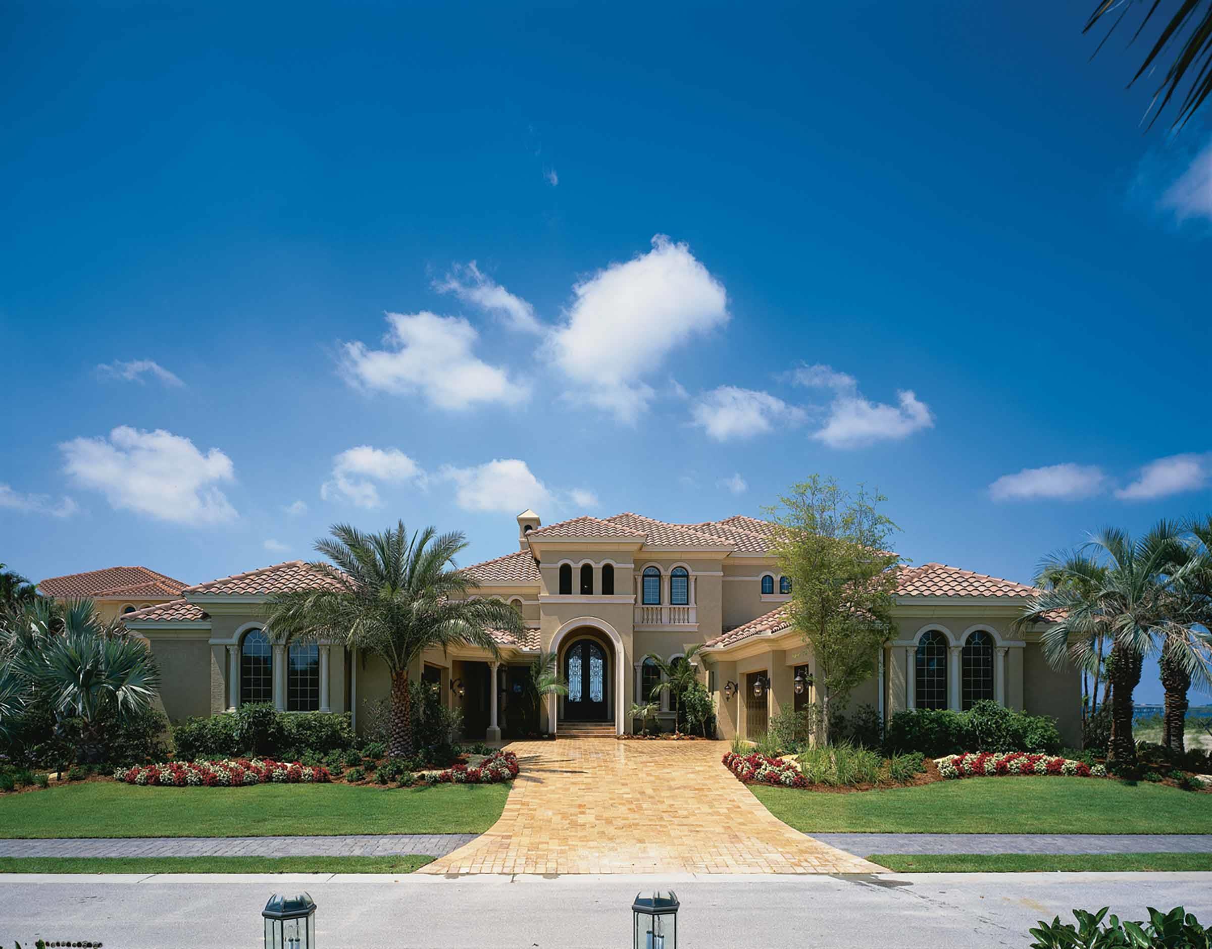 Tampa FL Real Estate, Call Us 813 294 4464 Or Email Vinchris7@aol.com
