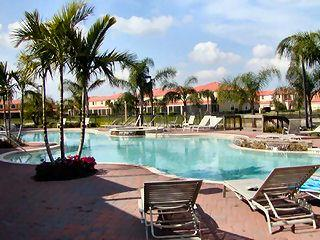 Summit Place Naples Fl neighborhood pool