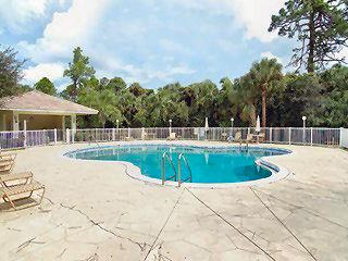 Sapphire Lakes Naples Fl neighborhood pool