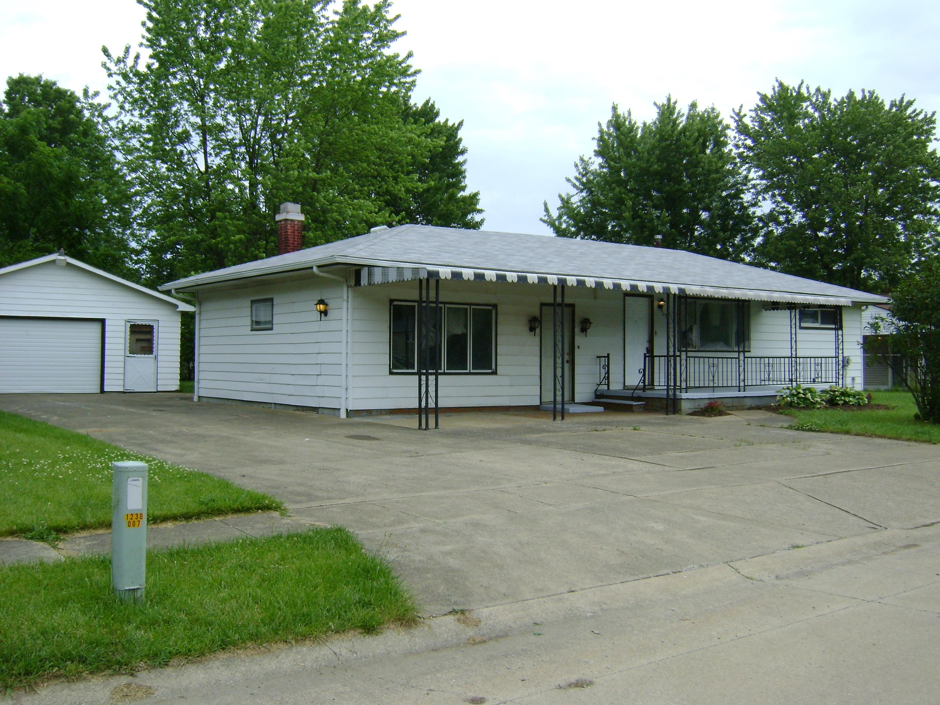 635 Wayne, Elyria, Ohio, 44035, SOLD HOME, 2 Bedroom ranch, family room, fireplace, 2-car garage, basement, remodeled