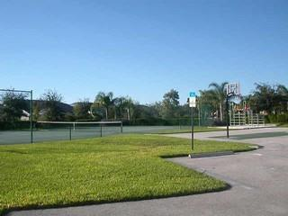 Laurel Lakes Naples Fl tennis courts