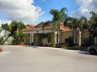 Key Royal Naples Fl community clubhouse