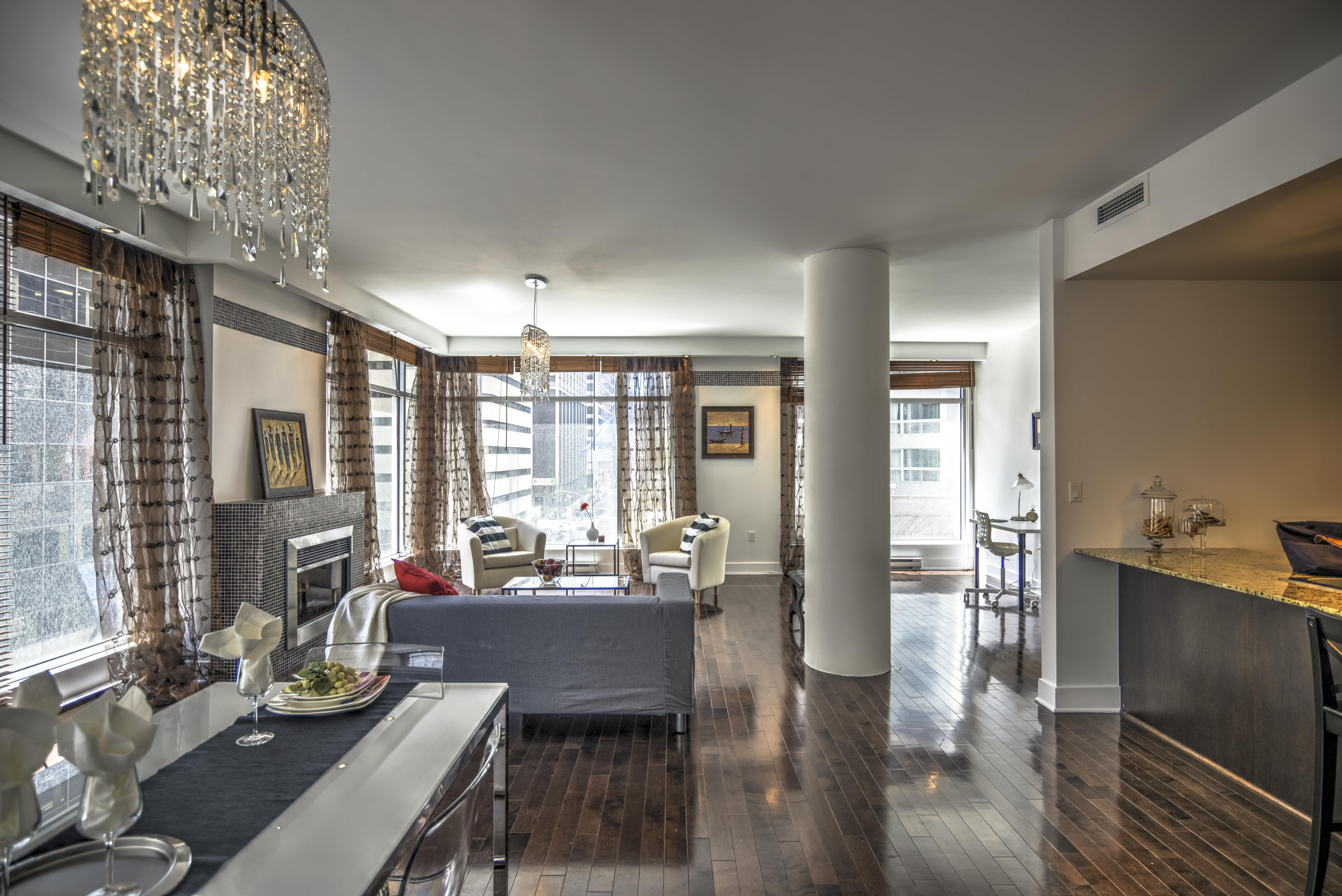 441 Ave du President-Kennedy, apt 408. Beautiful, spacious corner condo. Marie Paule Lancup, Realtor.