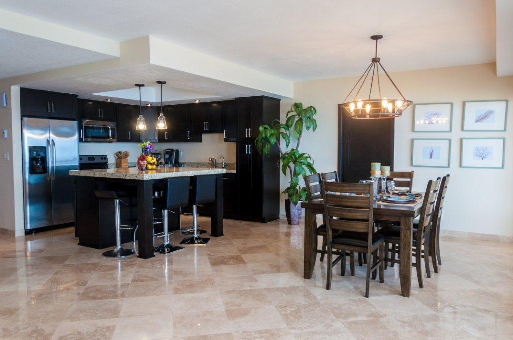 La Jolla Excellence interior finishes - Kitchen & Dining Room