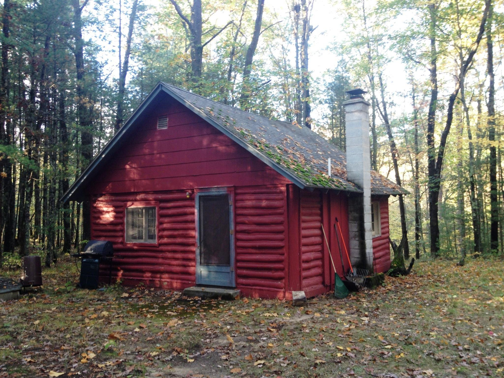 Hunting cabin on Pine Creek Salmon fishing near Wellston