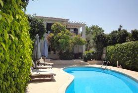 Villa and pool in Emba Cyprus