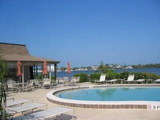 Oyster Bay Naples Fl community pool