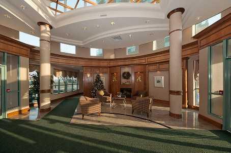 4879 Kimbermount Ave lobby