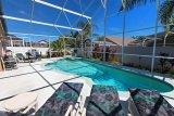7 Bedroom Rolling Hills Home to Rent with Swimming Pool & Spa