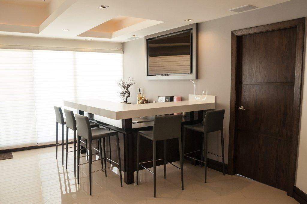 La Jolla Excellence interior finishes - Modern Dining Room