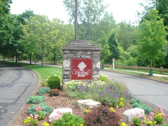 Entrance Way To Sterling Woods Danbury,CT