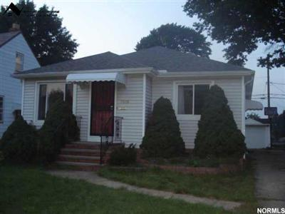 5606 Ridgewood Ave., Parma, Ohio 44129, 3 Bedroom, 2 Bath, Ranch, lots of charm, bank foreclosure, low price, best deal in Parma