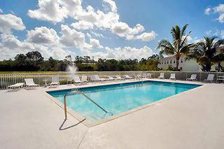 Cypress Glen Naples Fl community pool