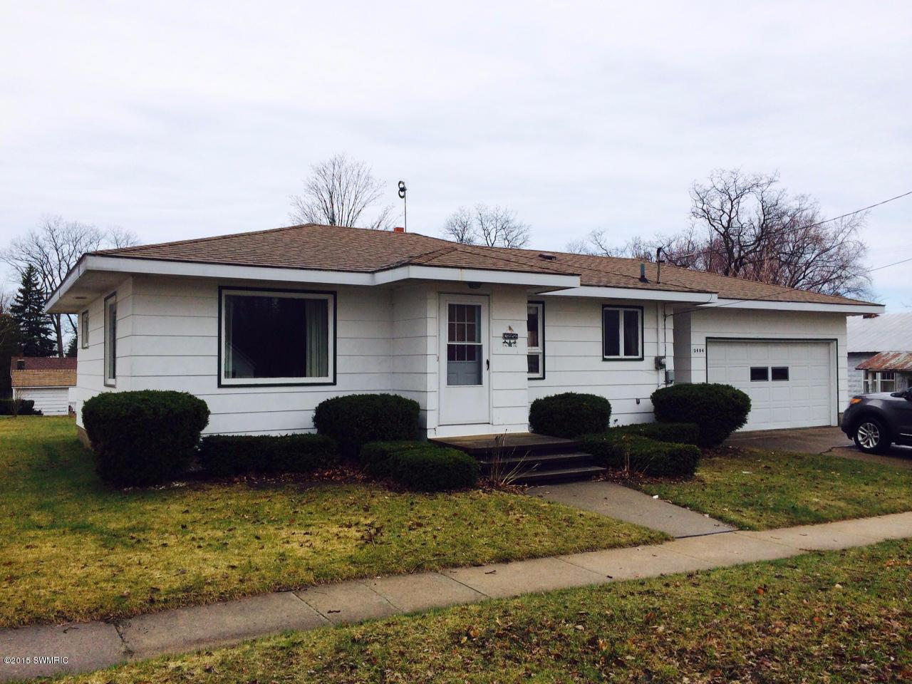 two bedroom home for sale in manistee