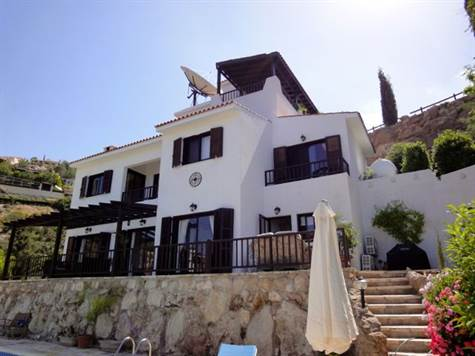 30-Kamares-Villa-for-sale-Paphos