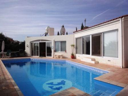 1-Peyia-bungalow-for-sale