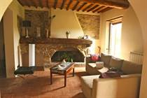 Homes for Sale in Capannori, Lucca, Tuscany €560,000