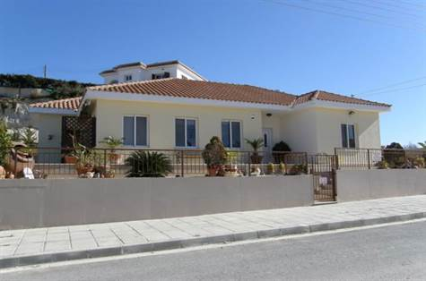 1-Pissouri-Bungalow-for-sale-Cyprus