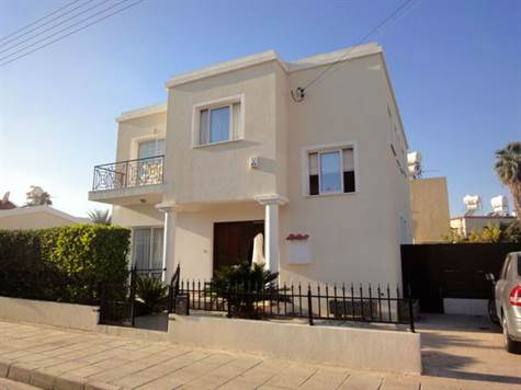 1-Chloraka-Villa-for-sale-Paphos-Cyprus