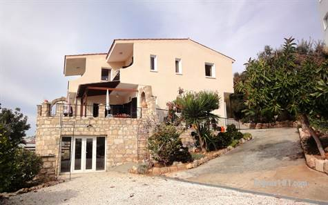 1-Peyia-character-villa-for-sale-paphos - Copy