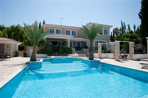 For-sale-luxurious-villa-in-chloraka-paphos-cyprus (26)