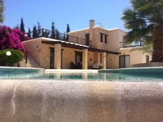 1-Agios-Georgios-Villa-for-sale