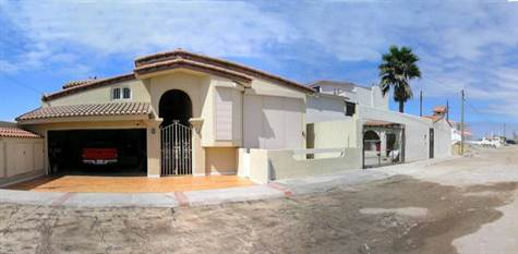 Home for Sale in Playas de Rosarito, Rosarito, Baja California $435,000