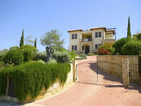 1-Aphrodite-hills-luxury-villa-paphos