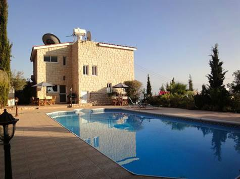 1-Peyia-stone-villa-paphos-cyprus