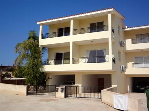 1-Peyia-townhouse-for-sale-paphos-cyprus