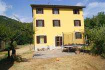 Homes for Sale in Capannori, Lucca, Tuscany €495,000