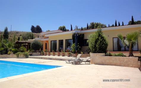 7-Drousia-luxury-villa-for-sale-cyprus