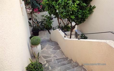 1-chloraka-garden-apartment-paphos-cyprus