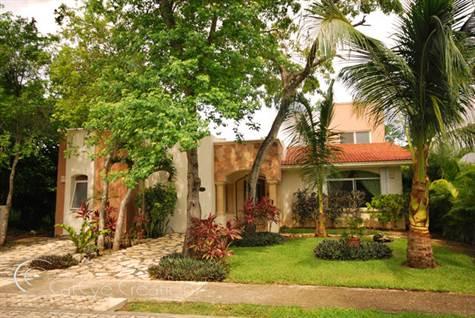 Villa for Sale in Playacar (1)