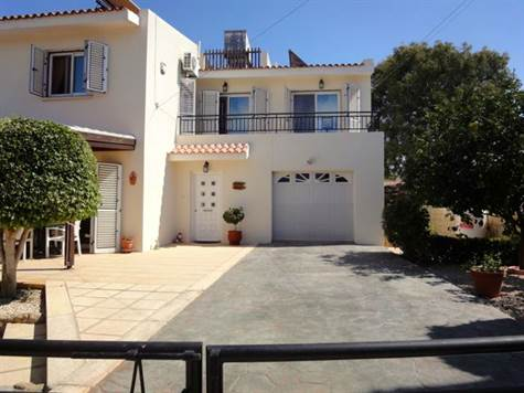 2-Petridia-Paphos-Villa-for-sale-Cyprus