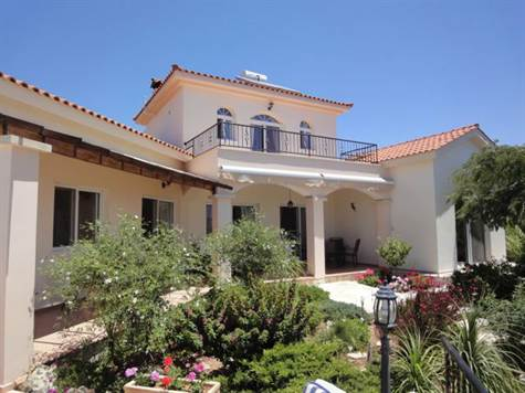 1-Peyia-villa-for-sale-Cyprus