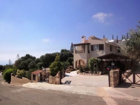 1-Kamares-Villa-for-sale-Paphos-Cyprus