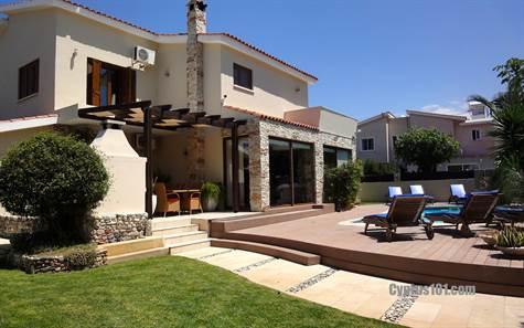 1-Kato-Paphos-Villa-for-sale-Cyprus - Copy