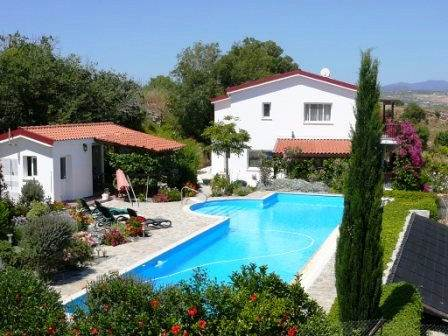 1-Stroumbi-Villa-for-sale