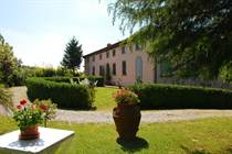 Homes for Sale in Capannori, Lucca, Tuscany €1,200,000