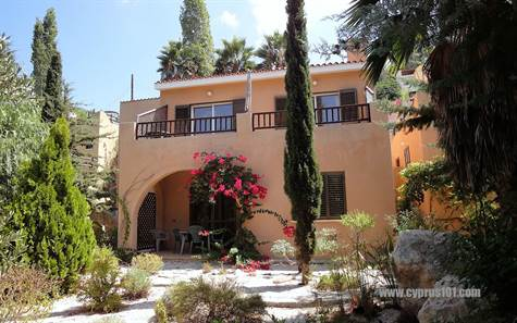 1-Kamares-Villa-for-sale-Paphos
