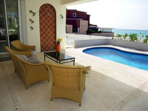House for Sale in Playacar